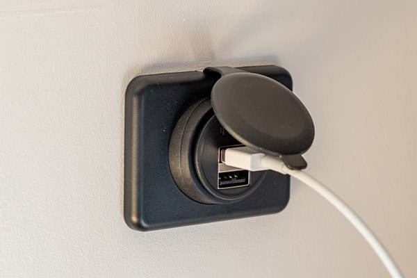 12-Volt USB outlet on wall